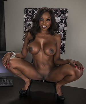 Moms Big Black Tits Porn Pictures