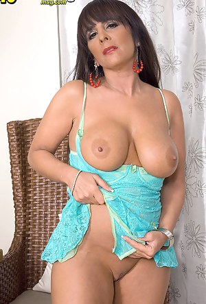 Moms Perfect Tits Porn Pictures