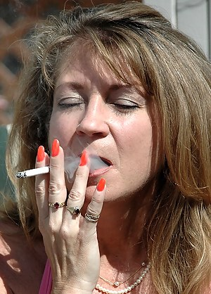 Moms Smoking Porn Pictures