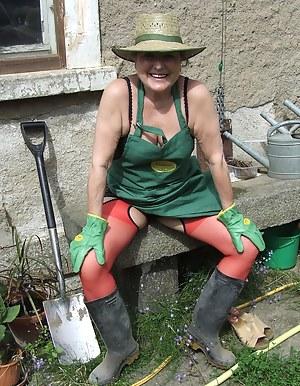 Moms Farm Porn Pictures
